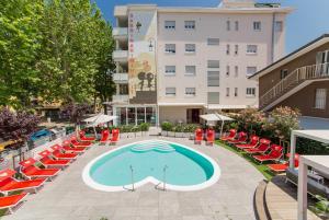 Piscina di Hotel Sabrina Rimini o nelle vicinanze