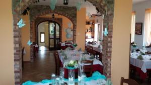 A restaurant or other place to eat at U' Cecere Agriturismo