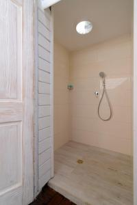 A bathroom at Villa Carmel Boutique Hotel