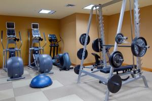The fitness center and/or fitness facilities at Hilton Toronto
