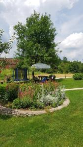 Zahrada ubytování Guest House Adrijana