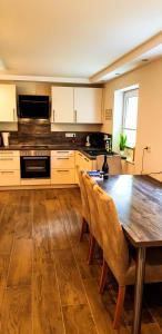 A kitchen or kitchenette at Ferienquartier Winterberg