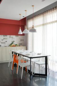 A kitchen or kitchenette at Mo