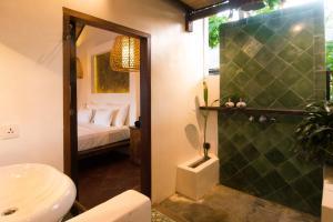Ein Badezimmer in der Unterkunft The Mandana Gili Air