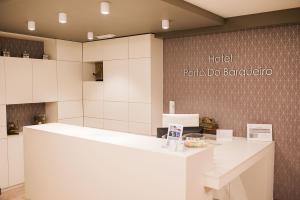 El vestíbulo o zona de recepción de Hotel Porto do Barqueiro
