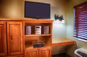 A television and/or entertainment center at Holiday Inn Express Grand Canyon, an IHG Hotel