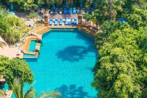 A view of the pool at Avani Pattaya Resort or nearby