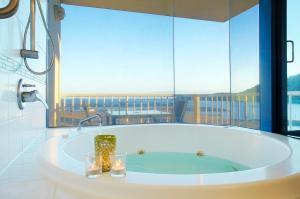 A bathroom at at Whitsunday Vista Holiday Apartments