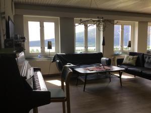 A seating area at Ottsjö Fjällhotell