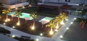 A view of the pool at 1 rua Doutor Jorge Nunoz Cardoso or nearby