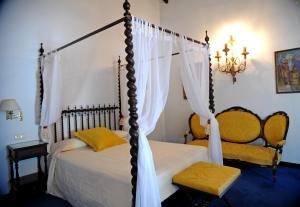 A bed or beds in a room at San Román de Escalante