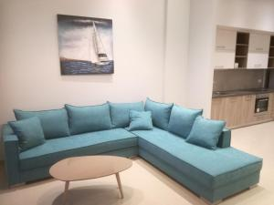 A seating area at Casa Bella Deluxe Apartments