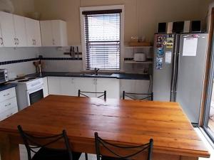 A kitchen or kitchenette at Hightide at South West Rocks