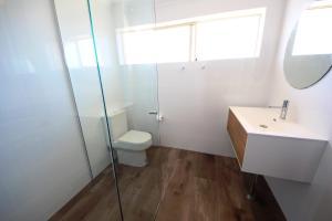 A bathroom at Ocean Shores Unit No 4