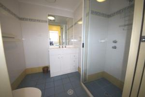 A bathroom at The Avenues Unit 1 at South West Rocks