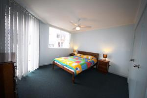A bed or beds in a room at The Avenues Unit 2 at South West Rocks