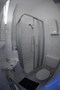 A bathroom at Messe Appartements Essen