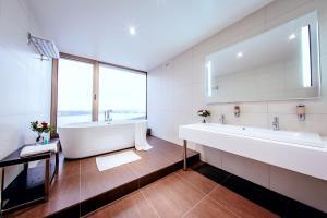 A bathroom at Saint-Petersburg Hotel