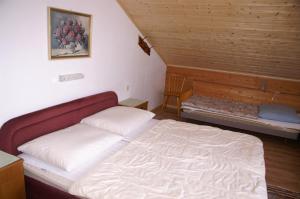 Postel nebo postele na pokoji v ubytování Klausnerhof