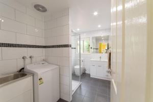 A bathroom at Tokemata Retreat