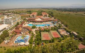 A bird's-eye view of Crystal Paraiso Verde Resort & Spa