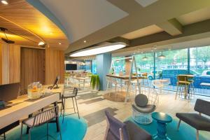Ресторан / где поесть в Aparthotel Adagio Caen Centre
