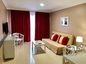 Część wypoczynkowa w obiekcie Hotel Spa La Quinta Park Suites