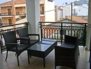 Μπαλκόνι ή βεράντα στο Κατσαράκη Φωτεινή