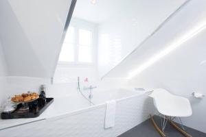 A bathroom at Hotel Icône