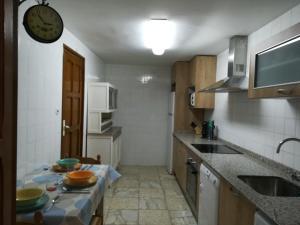Una cocina o zona de cocina en Alojamiento Santa Engracia Laguardia