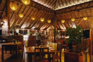 A restaurant or other place to eat at White Grass Ocean Resort & Spa