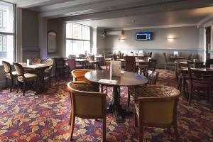 A restaurant or other place to eat at The Royal Hop Pole Wetherspoon
