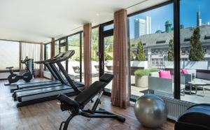 The fitness center and/or fitness facilities at Le Méridien Frankfurt