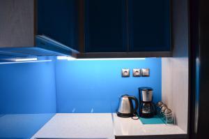 A kitchen or kitchenette at Indigo House