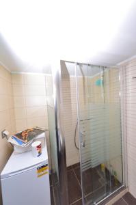 A bathroom at Indigo House