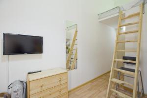 Телевизор и/или развлекательный центр в Studio on Kirochnaya 12