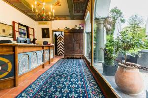Lobby/Rezeption in der Unterkunft Hotel Schloss Leonstain