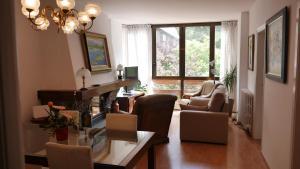 A seating area at Vitivola La Solana 4-2