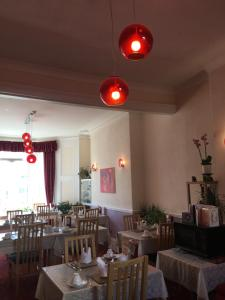 A restaurant or other place to eat at Adelphi