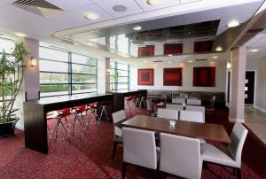 A restaurant or other place to eat at International Hotel Telford