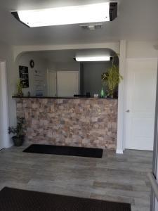 The lobby or reception area at Gold Key Inn