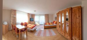 Ein Sitzbereich in der Unterkunft Appartementhaus Badria