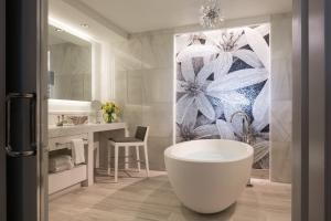 Um banheiro em Four Seasons Resort Orlando at Walt Disney World Resort