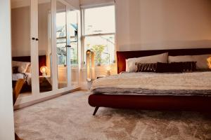 A bed or beds in a room at 30B The Scores - 2018 luxury sea view apartment