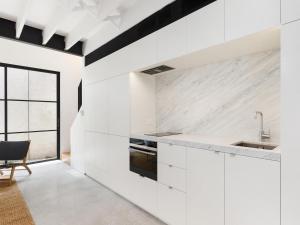 A kitchen or kitchenette at THE LOFT (I687)-L'Abode