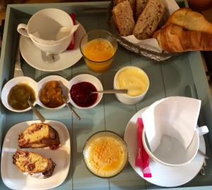 Breakfast options available to guests at La Vigne