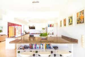 A kitchen or kitchenette at Anfi Tauro Rentals