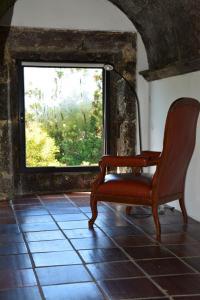 A seating area at Convento de São Francisco