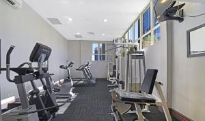 The fitness center and/or fitness facilities at Bond 117