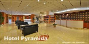 The lobby or reception area at Lázeňský hotel Pyramida I